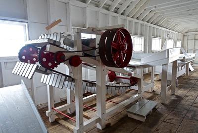 https://pixabay.com/en/machine-factory-automation-1651014/