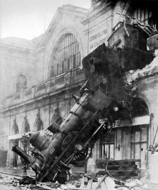 train-wreck-steam-locomotive-locomotive-railway-73821[1]